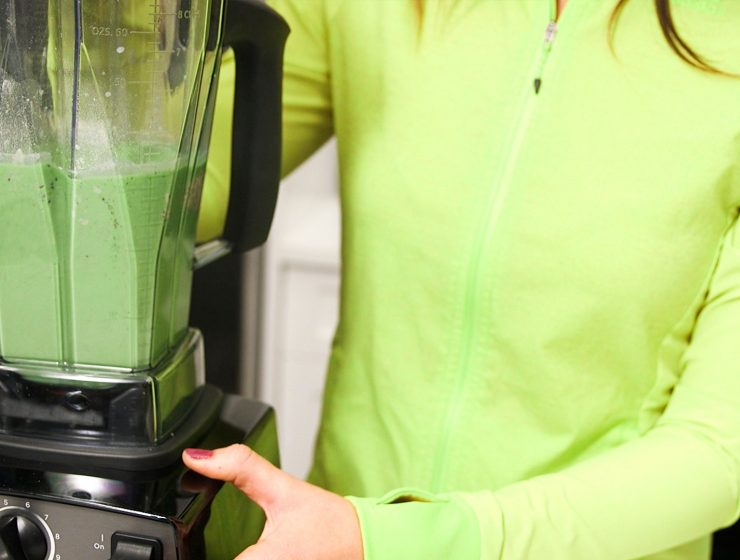 Green Supreme Spinach Smoothie with Whitney English Feature Image